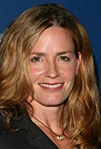 Elisabeth Shue's primary photo