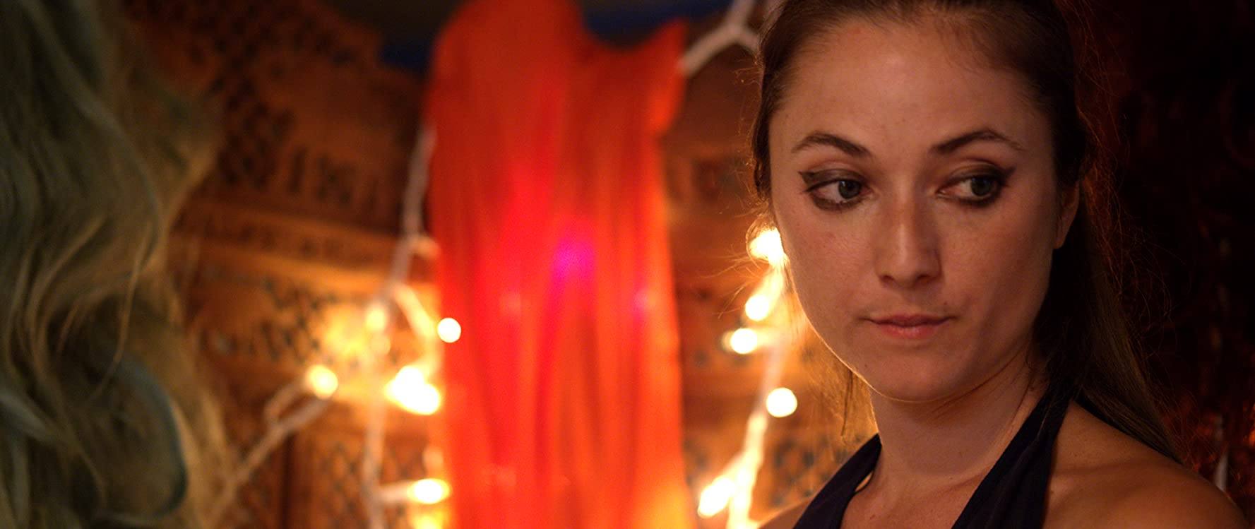 Sofia Carson,Caitlin Blackwood (born 2000) Adult fotos Joan Orenstein,Klariza Clayton (born 1989)