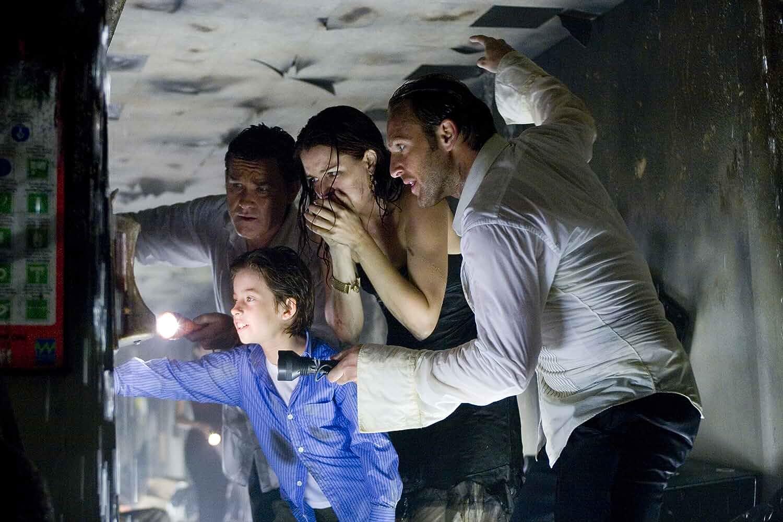 Richard Dreyfuss, Kurt Russell, Jacinda Barrett, Josh Lucas, and Jimmy Bennett in Poseidon (2006)