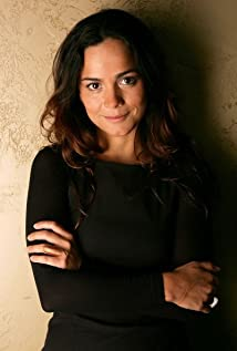 Alice Braga Picture