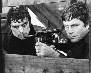 Oliver Reed and Ian McShane in Sitting Target (1972)