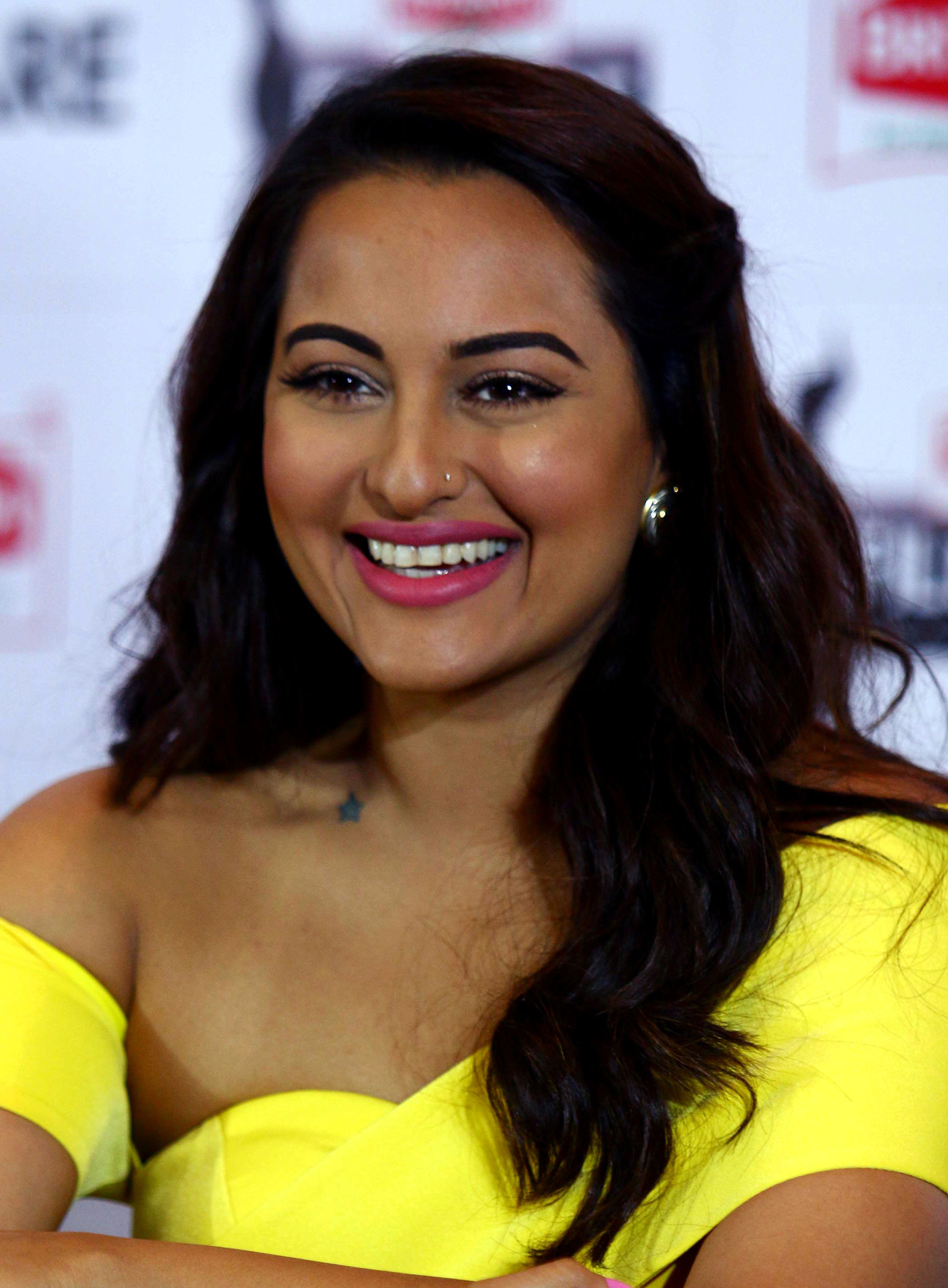 Sonakshi Sinha - IMDb