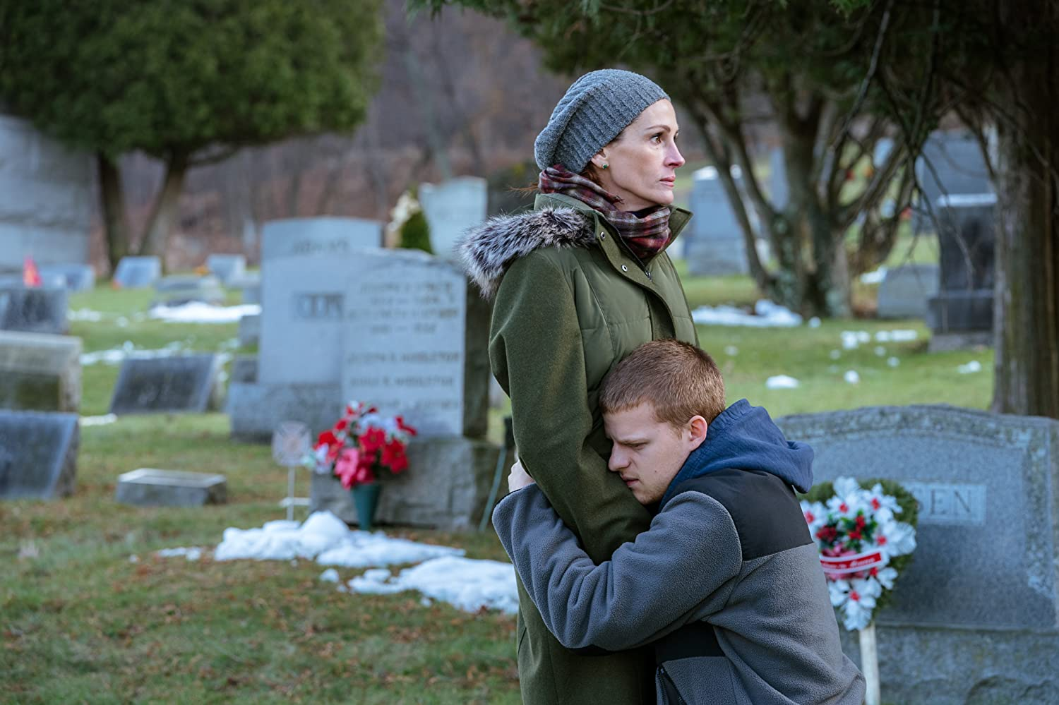 Julia Roberts and Lucas Hedges in Ben Is Back (2018)