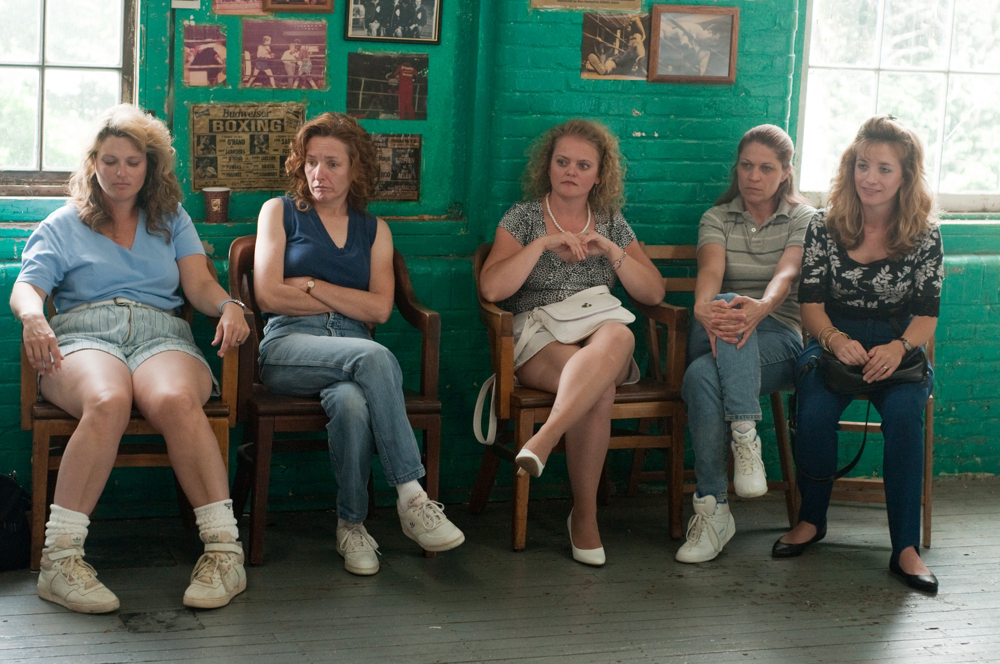 Jenna Lamia, Dendrie Taylor, Melissa McMeekin, Erica McDermott, and Kate B. O'Brien in The Fighter (2010)