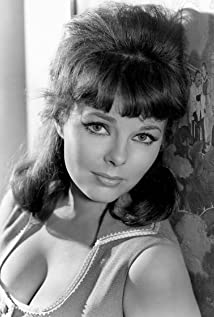 Anne Helm Picture