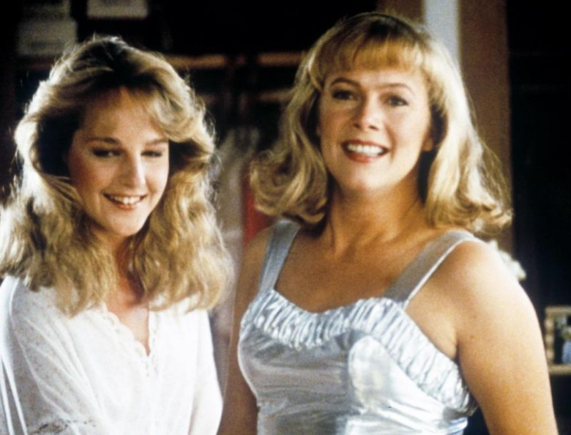 Helen Hunt and Kathleen Turner in Peggy Sue Got Married (1986)