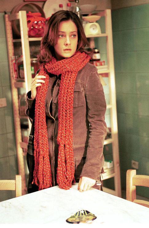 Giovanna Mezzogiorno in La finestra di fronte (2003)