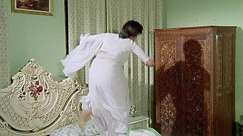Maza Pati Karodpati - Trailer