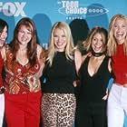Leslie Bibb, Tamara Mello, Carly Pope, Leslie Grossman, and Sara Rue at an event for Popular (1999)