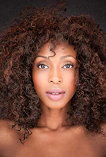 Lisa Berry Picture