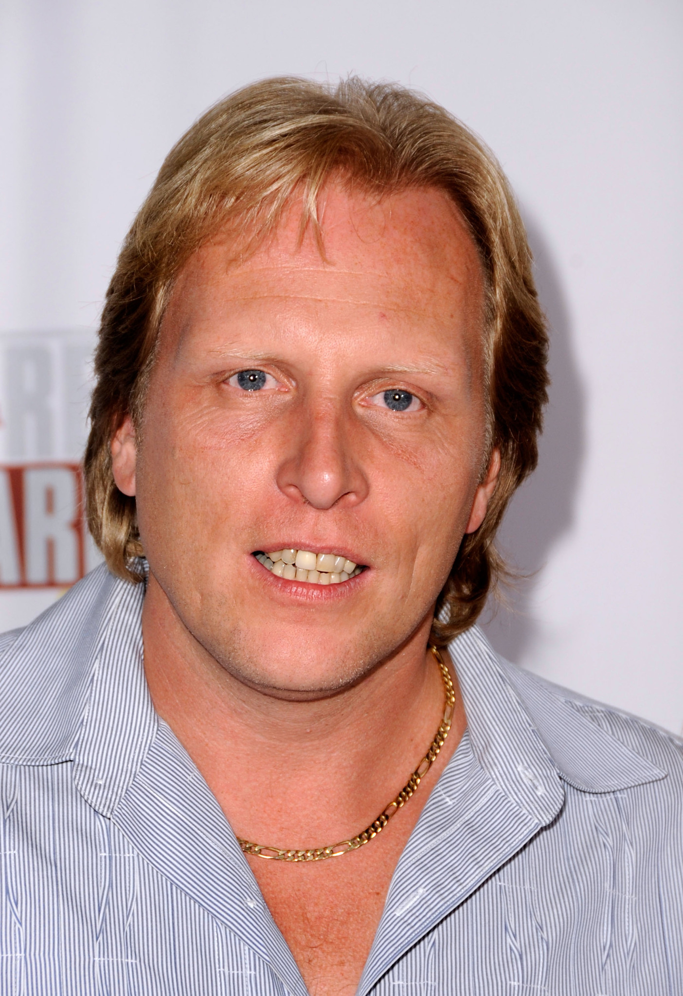 The 54-year old son of father (?) and mother(?) Sig Hansen in 2020 photo. Sig Hansen earned a million dollar salary - leaving the net worth at million in 2020