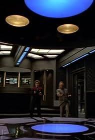 Kate Mulgrew and Ethan Phillips in Star Trek: Voyager (1995)