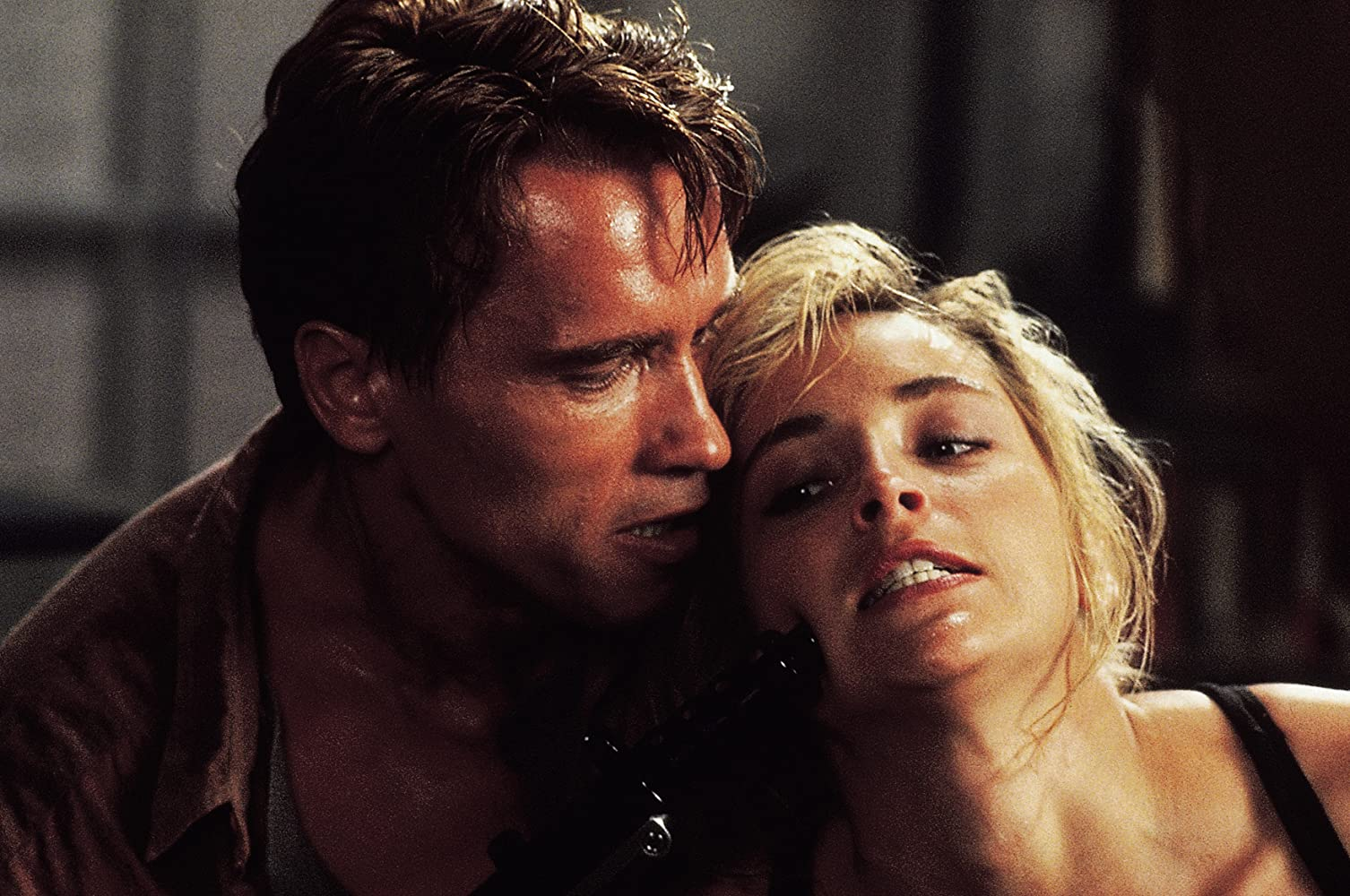 Arnold Schwarzenegger and Sharon Stone in Total Recall 1990
