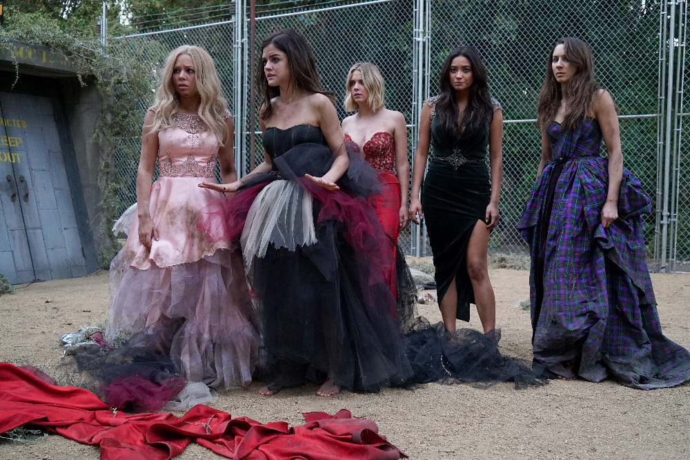 "Pretty Little Liars"" Game On, Charles (TV Episode 2015) - IMDb"