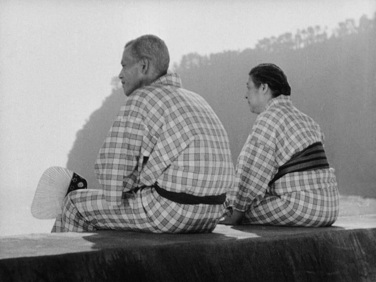 Chieko Higashiyama and Chishû Ryû in Tôkyô monogatari (1953)
