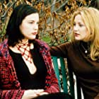 Liv Tyler and Kate Hudson in Dr. T & the Women (2000)