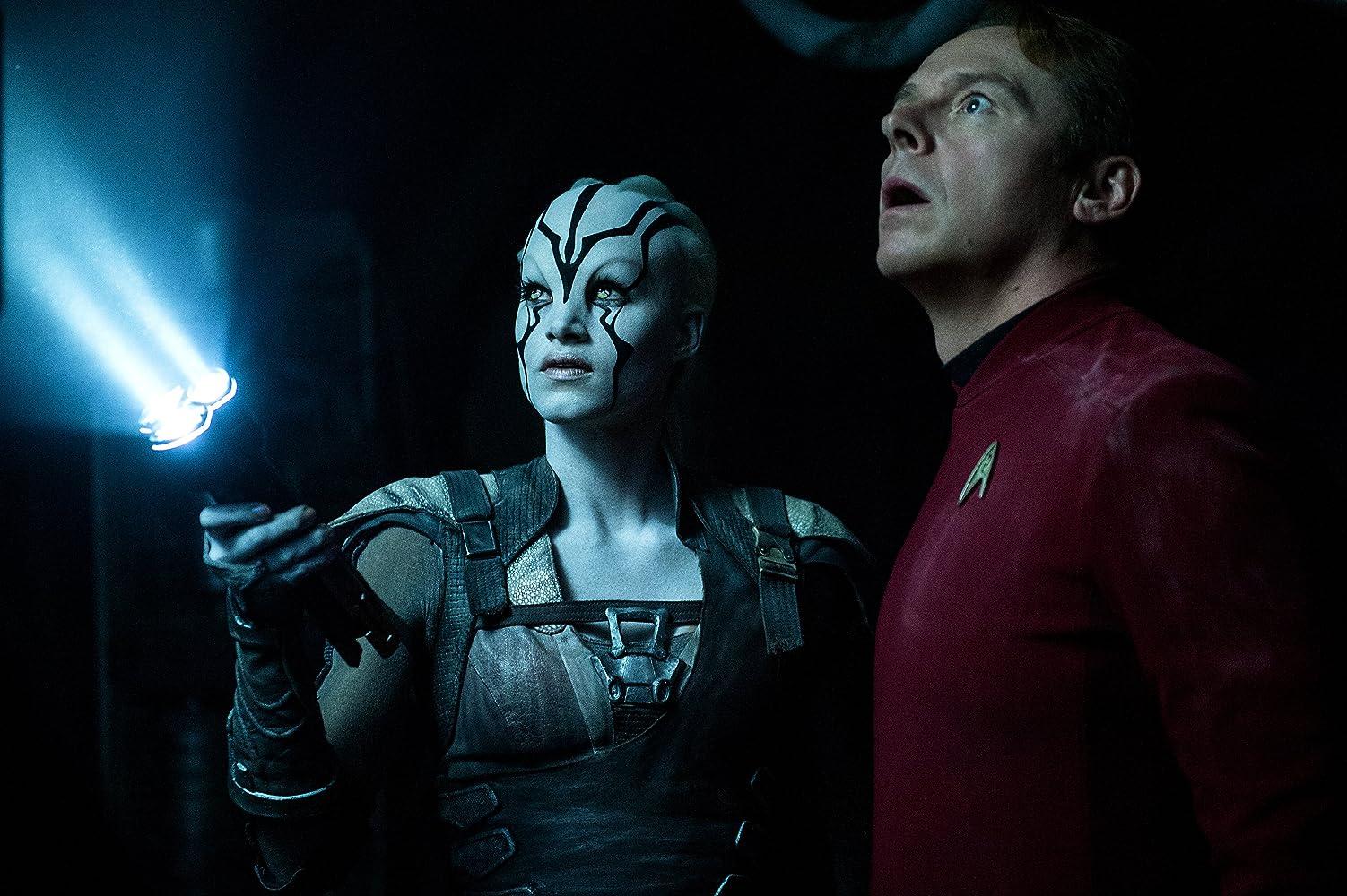 Simon Pegg and Sofia Boutella in Star Trek: Beyond (2016)