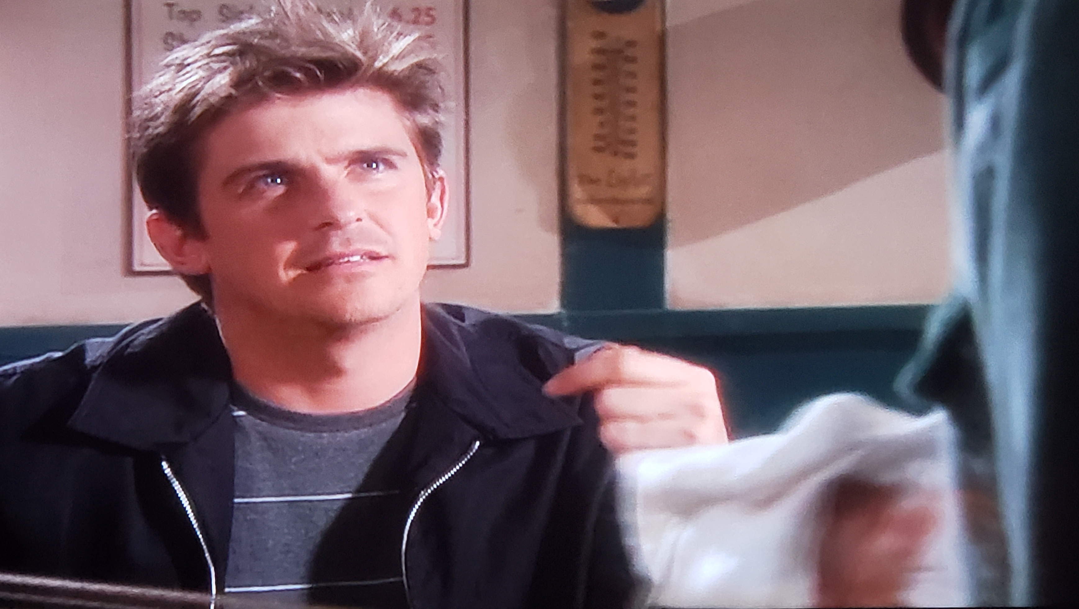 Charlie Schlatter in Diagnosis Murder: Town Without Pity (2002)