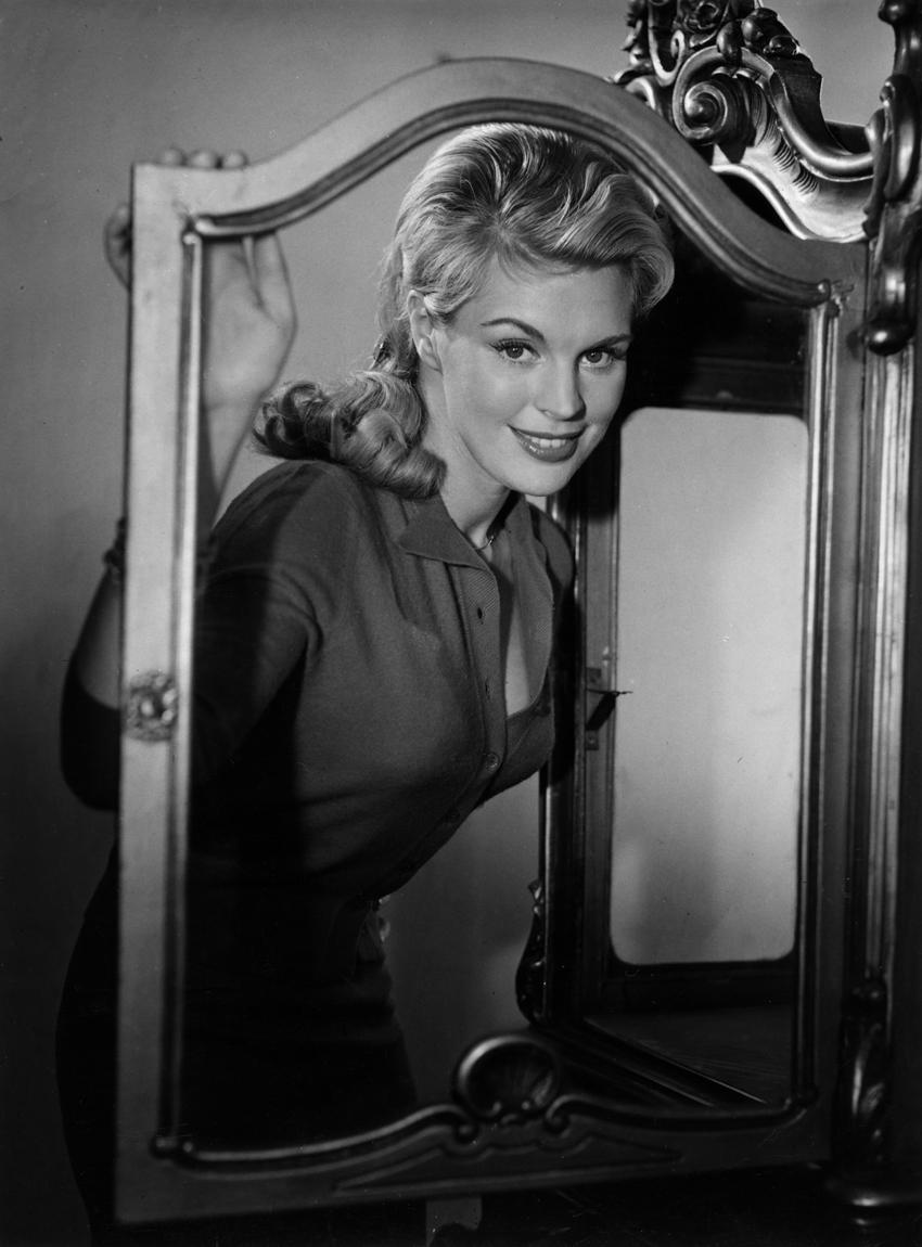 Christiane Maybach in Wenn die Bombe platzt (1958)