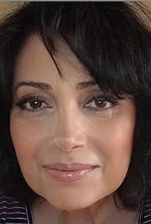 Rosie Malek-Yonan Picture