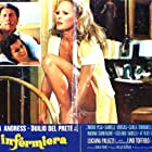 Ursula Andress and Jack Palance in L'infermiera (1975)