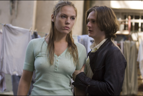 Agnes Bruckner and Bryan Dick in Blood and Chocolate (2007)