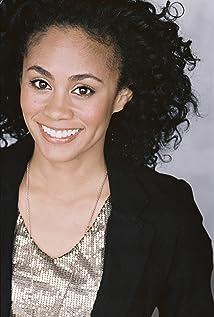 Monique Rosario Picture