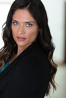 Jennifer Almaguer Picture