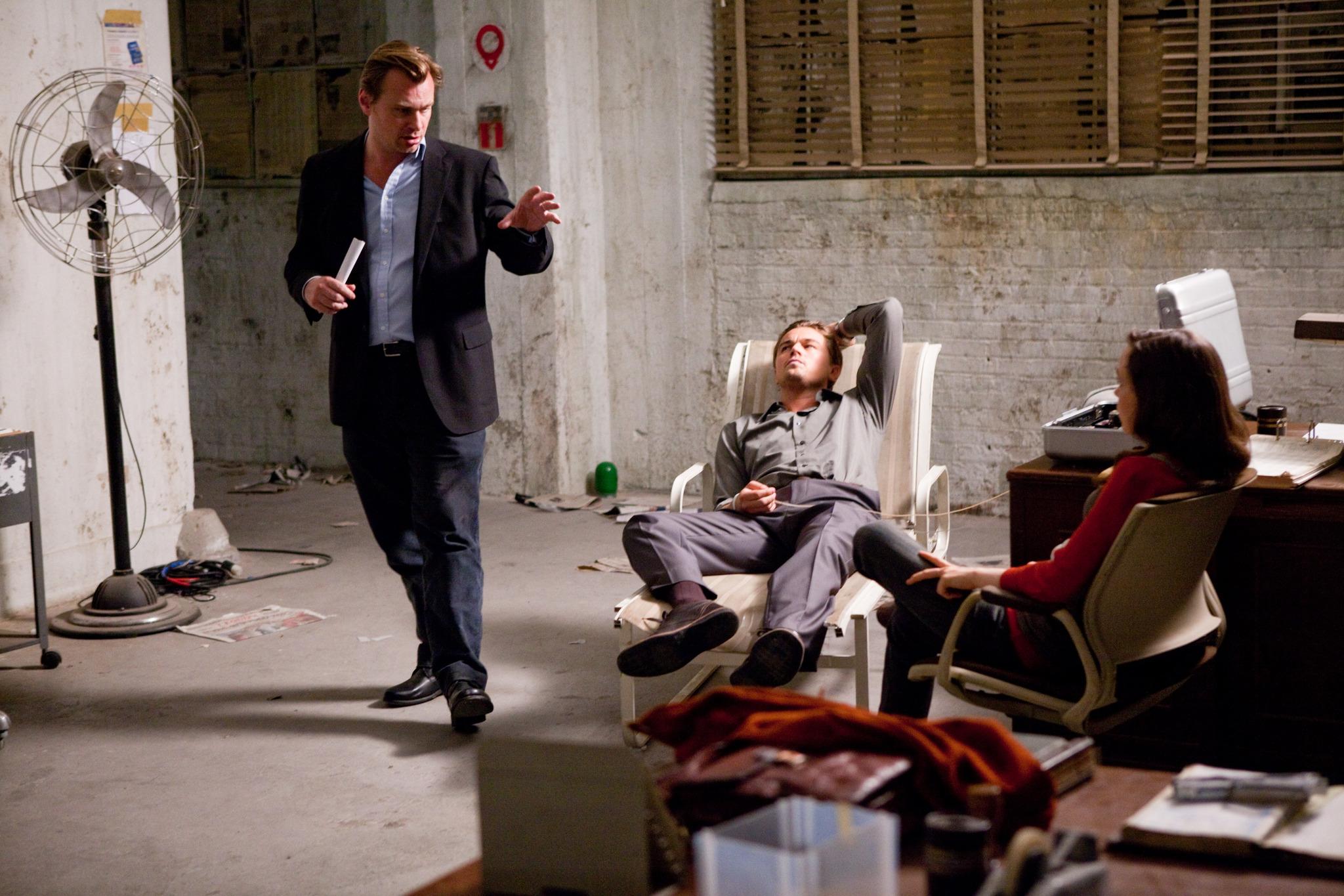 Leonardo DiCaprio, Christopher Nolan, and Elliot Page in Inception (2010)