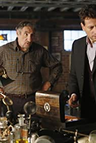 Judd Hirsch and Ioan Gruffudd in Forever (2014)