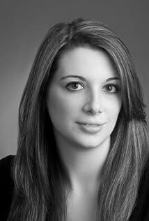 Nicole Machrone Picture
