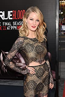 Ashley Hinshaw Picture