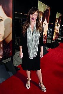 Lucinda Coxon Picture