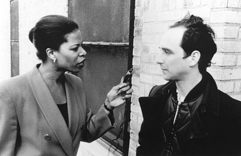Sean Gullette and Pamela Hart in Pi (1998)