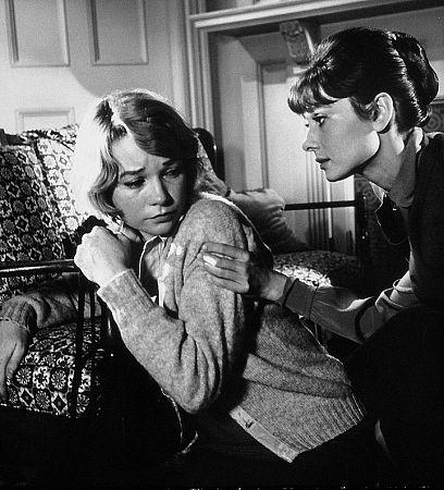 "9686-16 ""Children's Hour, The"" Audrey Hepburn and Shirley MacLaine 1961 UA"