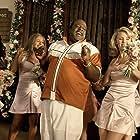 Cedric the Entertainer, Paula Garcés, Kelli Garner, Monica Keena, Christina Milian, and Vanessa Ferlito in Man of the House (2005)