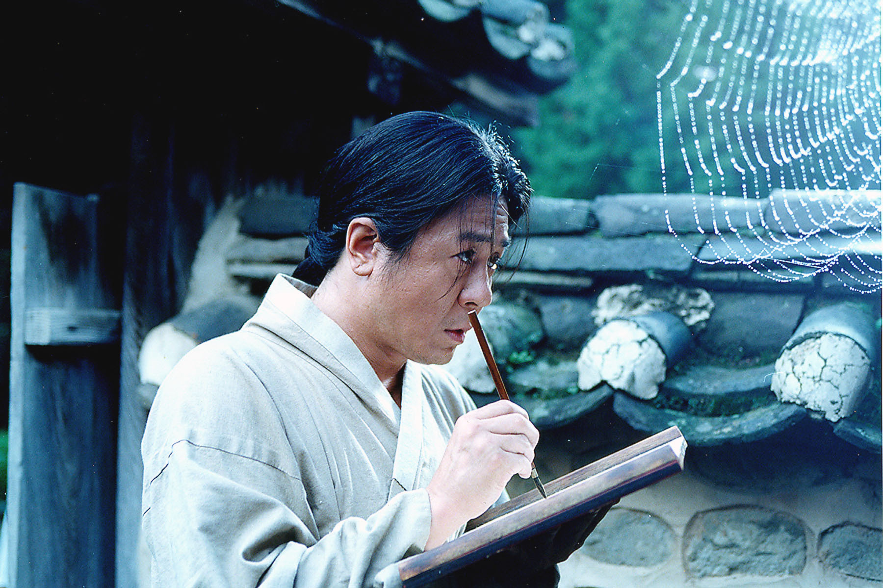 Choi Min-sik in Chihwaseon (2002)