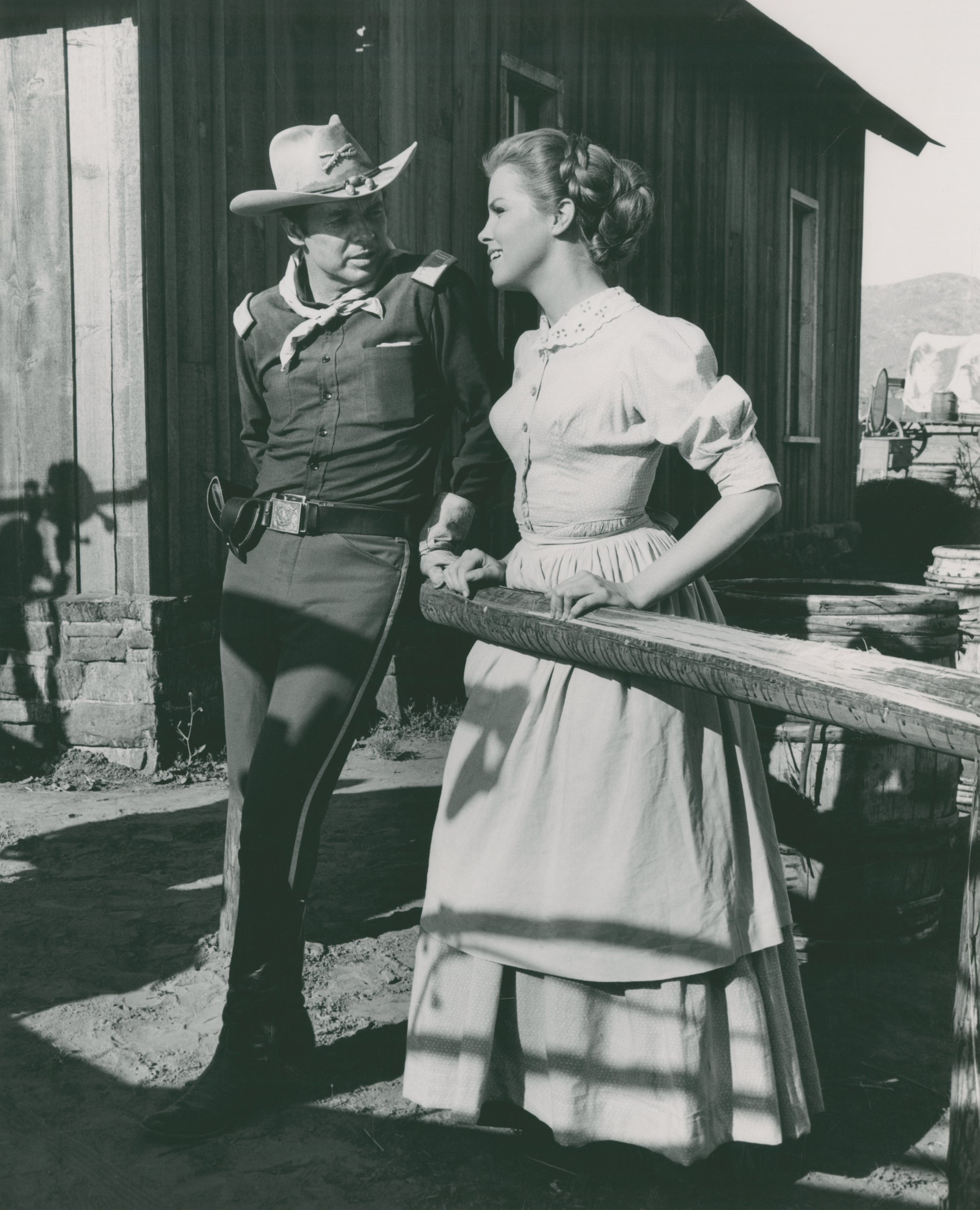 40 Guns To Apache Pass (1967) Audie Murphy,  Laraine Stephens