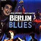 Javier Gurruchaga and Julia Migenes in Berlín Blues (1988)