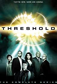 Brent Spiner, Charles S. Dutton, Carla Gugino, Rob Benedict, Peter Dinklage, and Brian Van Holt in Threshold (2005)
