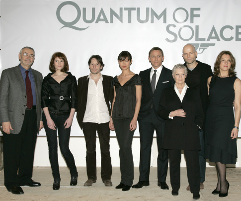 Judi Dench, Mathieu Amalric, Barbara Broccoli, Daniel Craig, Marc Forster, Michael G. Wilson, Olga Kurylenko, and Gemma Arterton at an event for Quantum of Solace (2008)