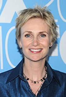 Jane Lynch body
