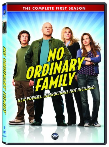 Julie Benz, Michael Chiklis, Kay Panabaker, and Jimmy Bennett in No Ordinary Family (2010)