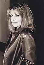 Helen Shaver's primary photo