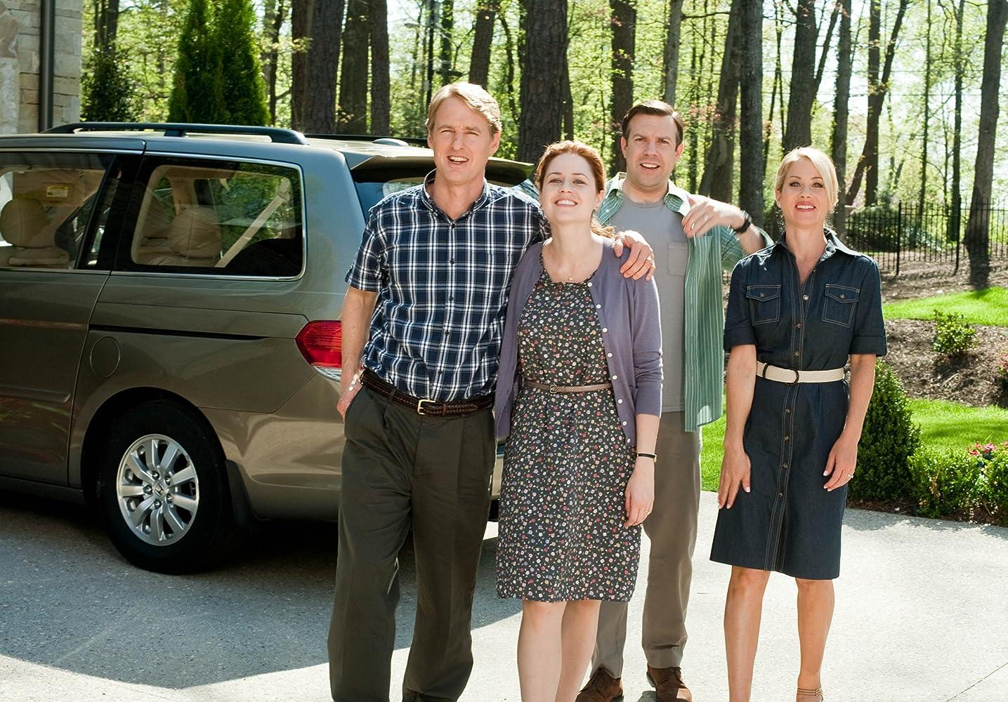 Christina Applegate, Owen Wilson, Jenna Fischer, and Jason Sudeikis in Hall Pass (2011)