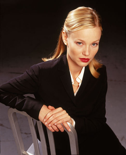 Samantha Mathis in Harsh Realm (1999)