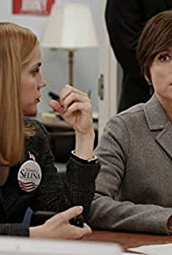 Julia Louis-Dreyfus and Anna Chlumsky in Veep (2012)