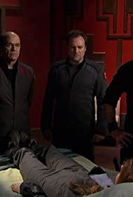Robert Picardo, Joe Flanigan, David Hewlett, Paul McGillion, and Dawn Olivieri in Stargate: Atlantis (2004)