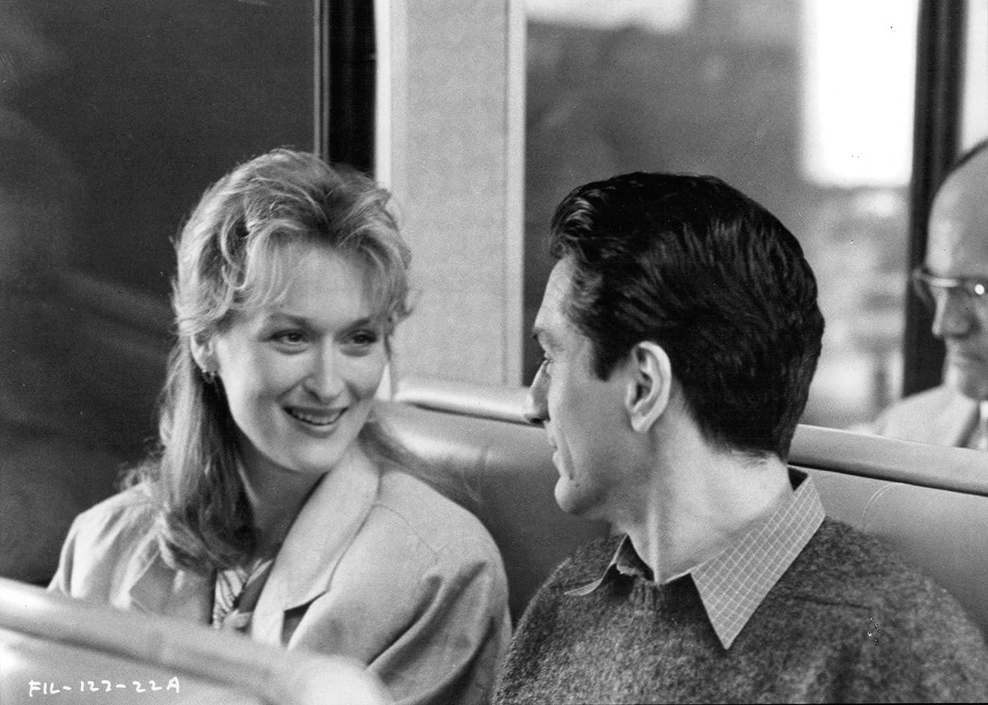 Când te îndrăgosteşti - Falling in Love (1984) Online Subtitrat