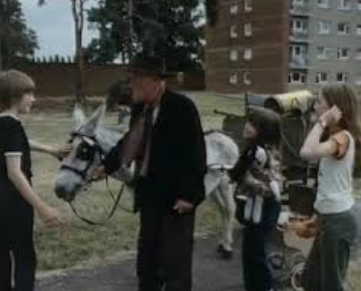 Wilfrid Brambell, Linda Frith, Leigh Gotch, and Wendy Cook in High Rise Donkey (1980)